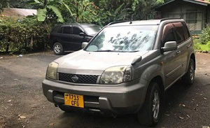 hire safari land cruiser Kampala airport, hire nissan xtrail, 4wd car hire Kampala, hire suv, safari mini van, land cruiser