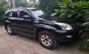 Kampala car hire Kenya -Suv Toyota Prado, Rental 4x4, 4x4 car hire, 4wd Rental Kampala, entebbe airport Kenya, Safari car hire landcruiser
